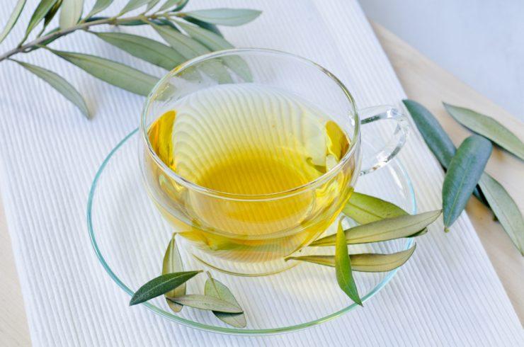 Ne le oljčno olje - za zdravje tudi oljčni listi!