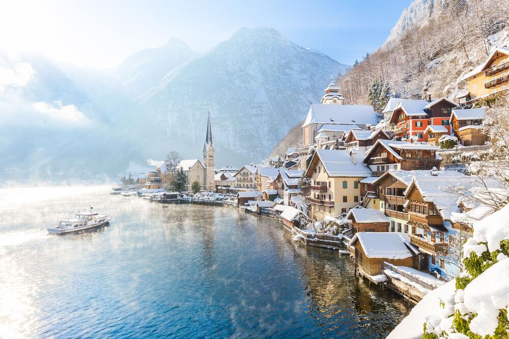 Filmsko mestece iz Ledenega kraljestva omejilo obisk turistov