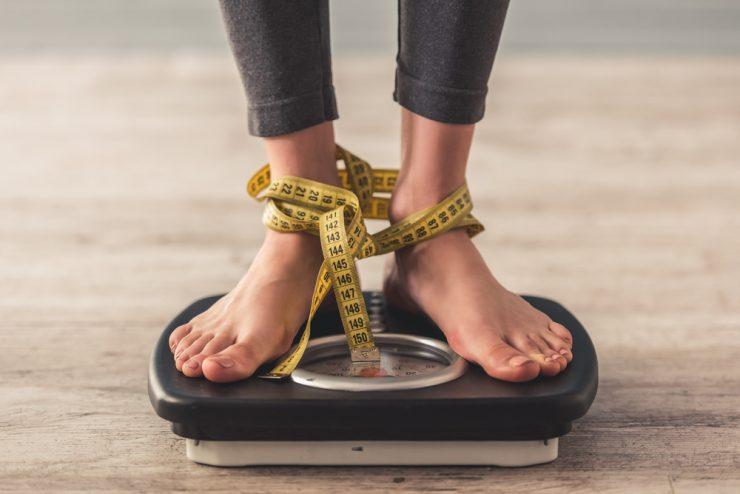 Kakšna je povezava med hormoni in izgubo odvečne teže?