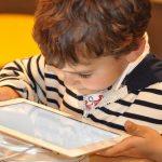 Varen internet za otroke – Youtube naj ne bo varuška!