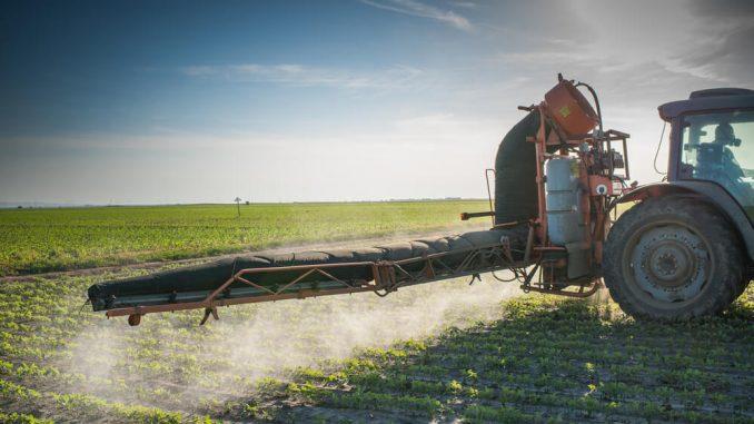 Bomo v Sloveniji (kdaj) dočakali prepoved pesticidov?