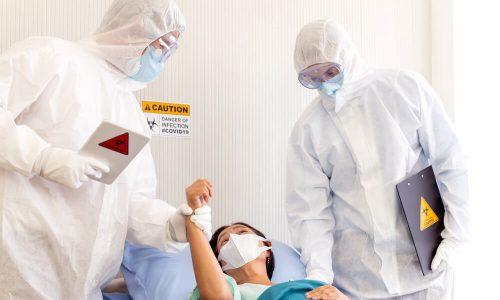 Zdravniška zbornica MZ in NIJZ sprašuje o ukrepih proti koronavirusu