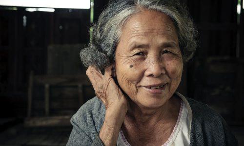 Koronavirus: poročajo o prvih ozdravljenih pacientih, najstarejši ima 98 let!