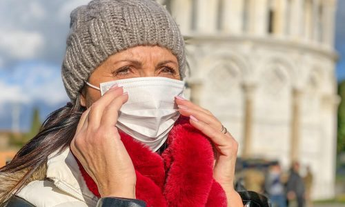 Koronavirus bolj ogroža predele, kjer je bolj onesnažen zrak?