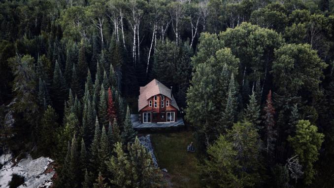 Napišite esej, prejmite plačilo in brezplačno kočo sredi narave!