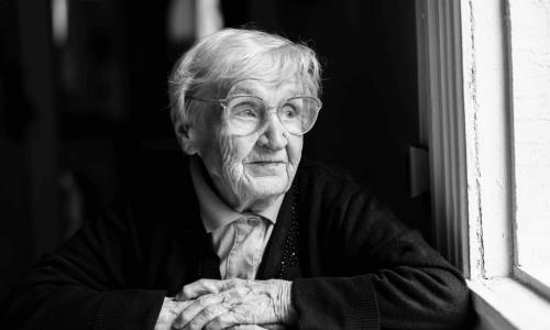 Gostujoča kolumna: Dom za starejše me noče vzeti – 2. del