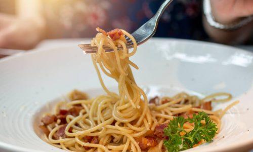 Recept: testenine z malo drugačno omako!