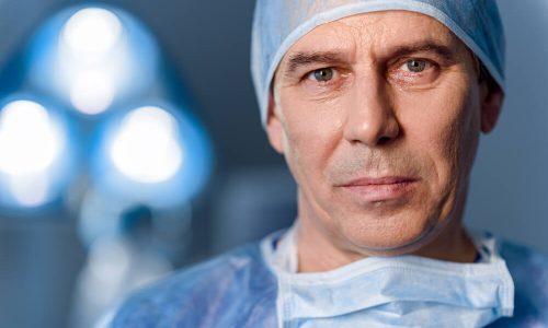 Gostujoča kolumna: Zdravnik je kriv! (To bo bolelo)